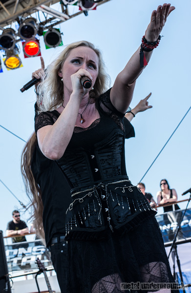 Leaves' Eyes @ 70,000 Tons of Metal 2014, Day 2